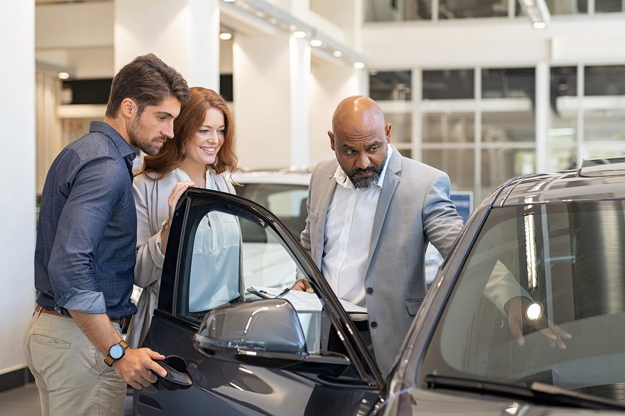 Car Dealers – How to Buy From Them